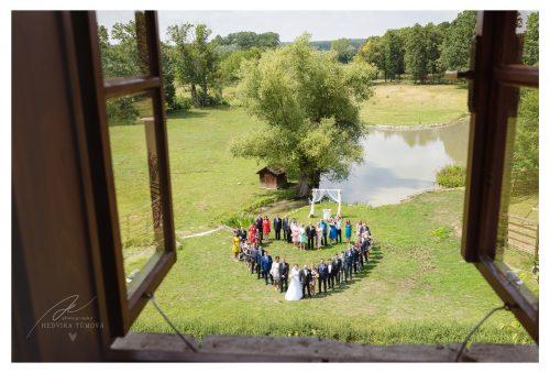 svatební fotka ve tvaru srdce svatební fotograf
