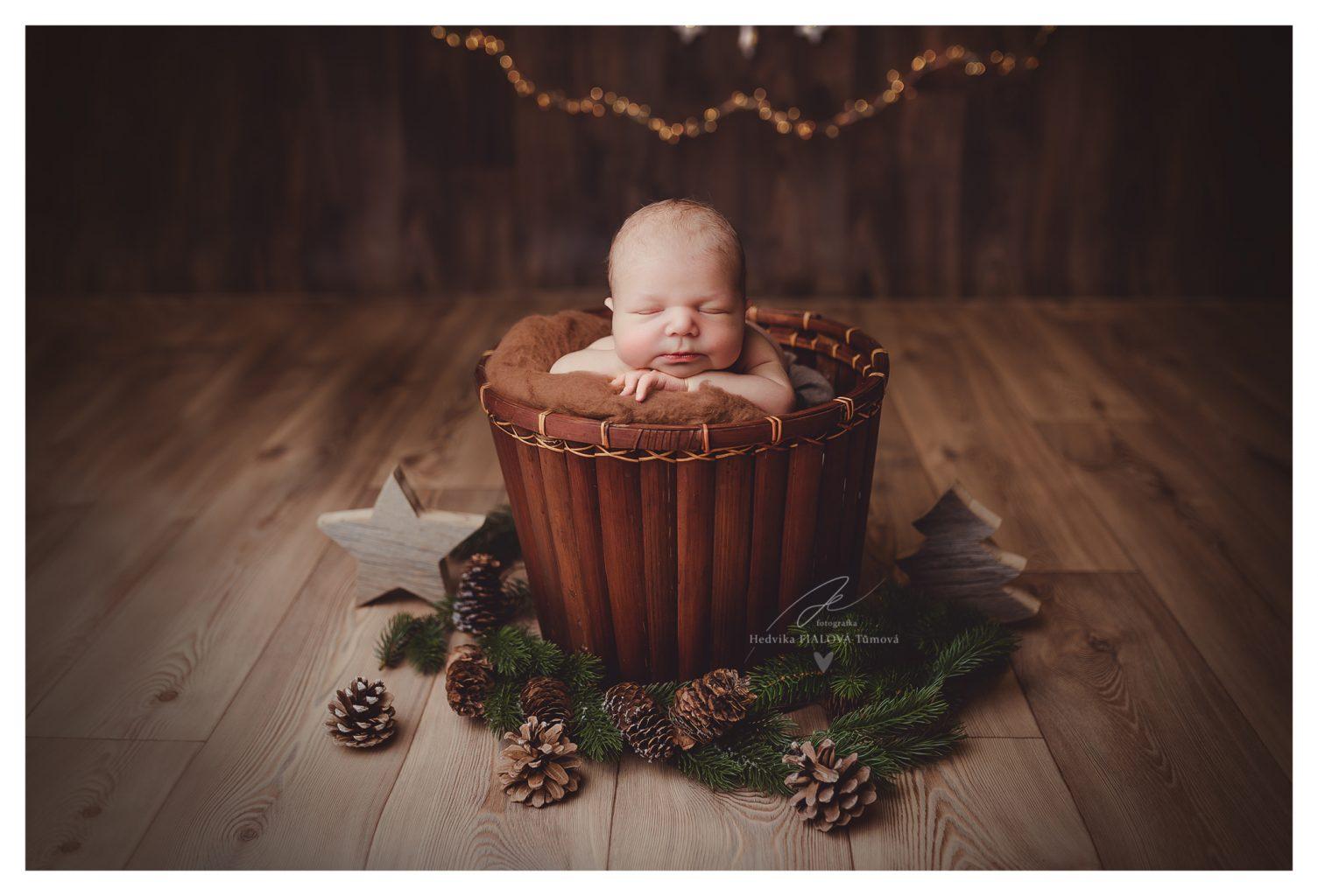 Newborn vánoční focení Praha