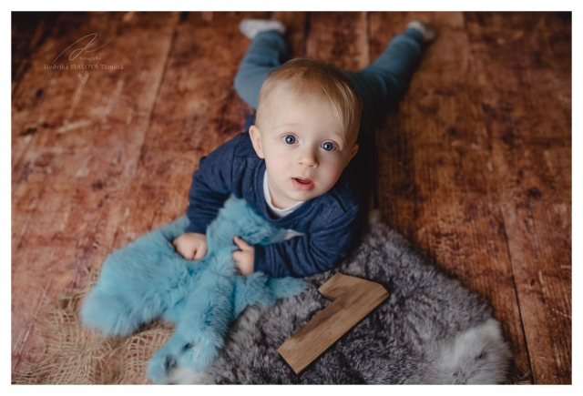 oslava narozenin 1 rok kluk na focení